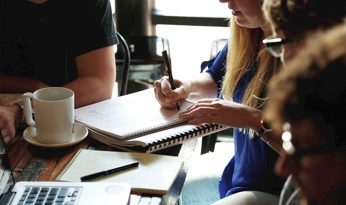 Op zoek naar een incompany training of interne studiedag over een actueel onderwerp in de zorg? Neem dan contact op met de Guus Schrijvers Academie.