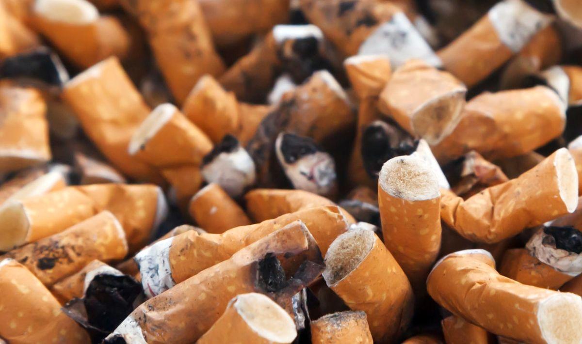 Een op de vier zware rokers overlijdt voor zijn 65e. Toch is er politiek en bij het zorgveld maar weinig steun voor maatregelen zoals accijnsverhoging.