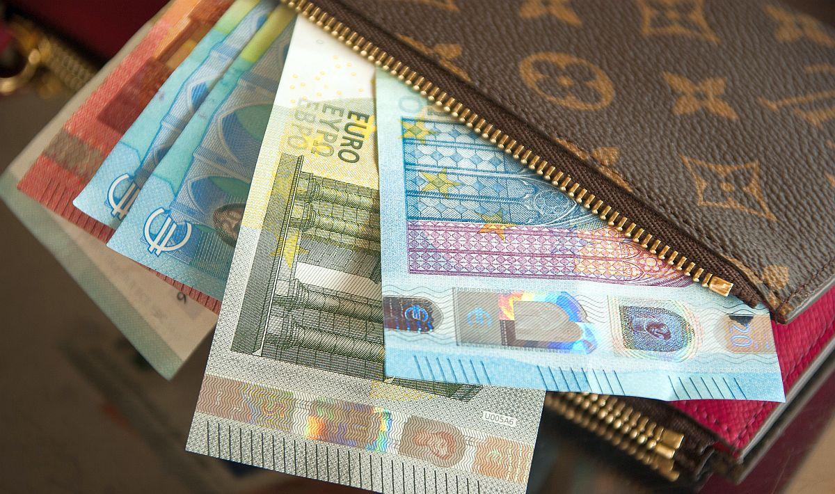 Engeland wil de bestaande bekostiging van DBC's afschaffen en vervangen door populatiegebonden bekostiging. Volgt de Nederlandse regering dit voorbeeld?