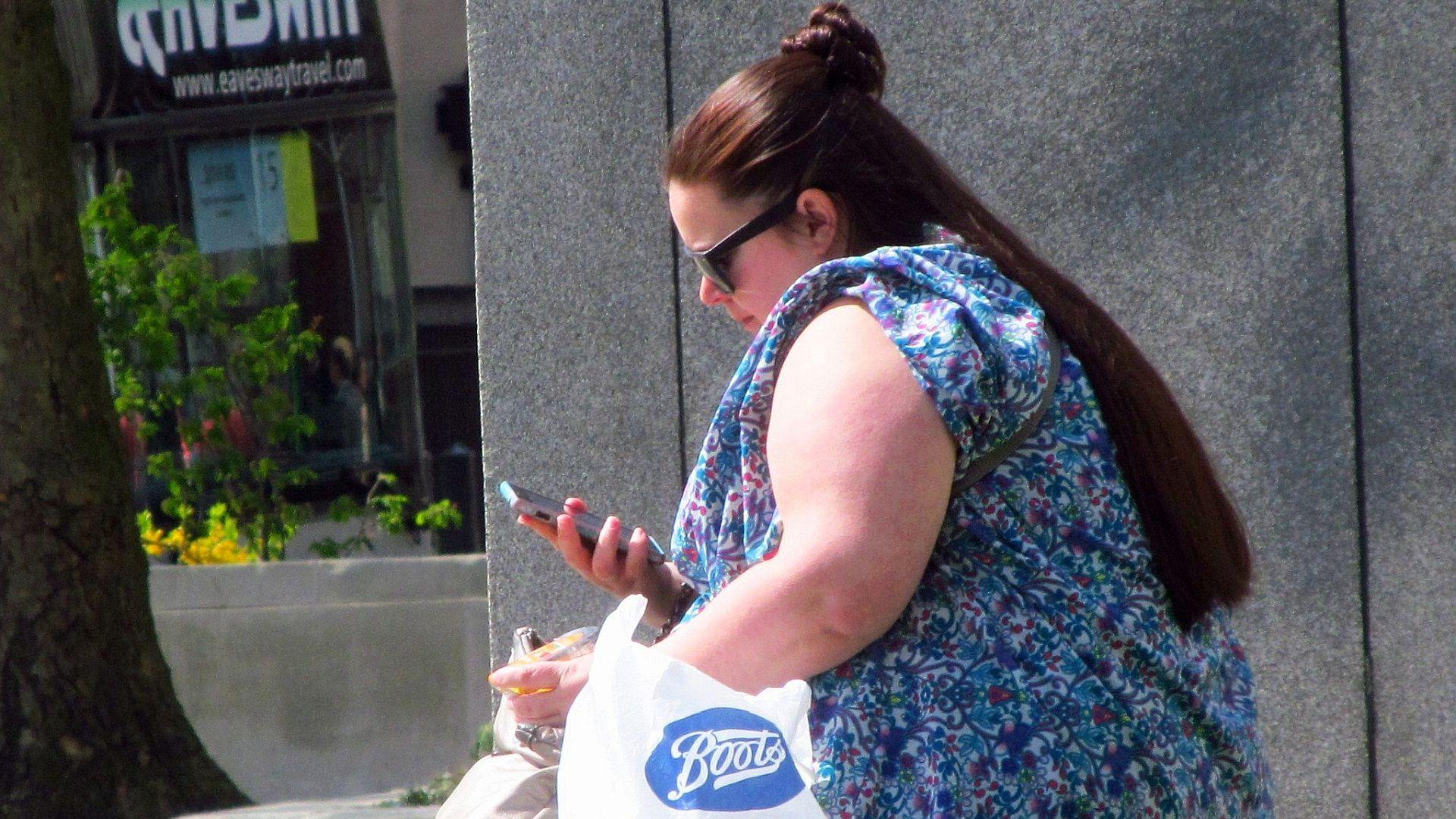 Het Nationale Preventieakkoord zet voorlichting centraal. Dat zal overgewicht en alcoholgebruik onvoldoende terugdringen. Effectief gebleken interventies ontbreken, zoals het verminderen van verkooppunten van alcohol en btw-verlaging van groenten en fruit.