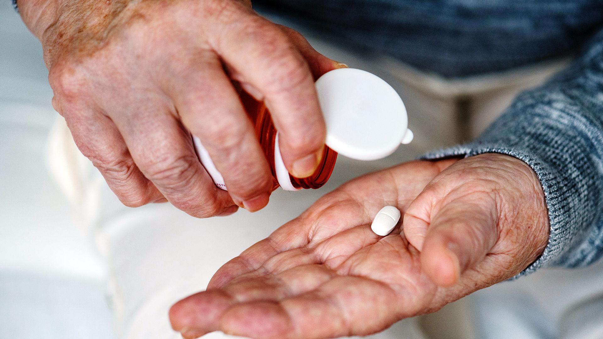 Apothekers in Vlaanderen willen betaling per doos pillen vervangen door een hoger tarief per ingeschreven patiënt. Hierdoor verbetert het medicatiegebruik,