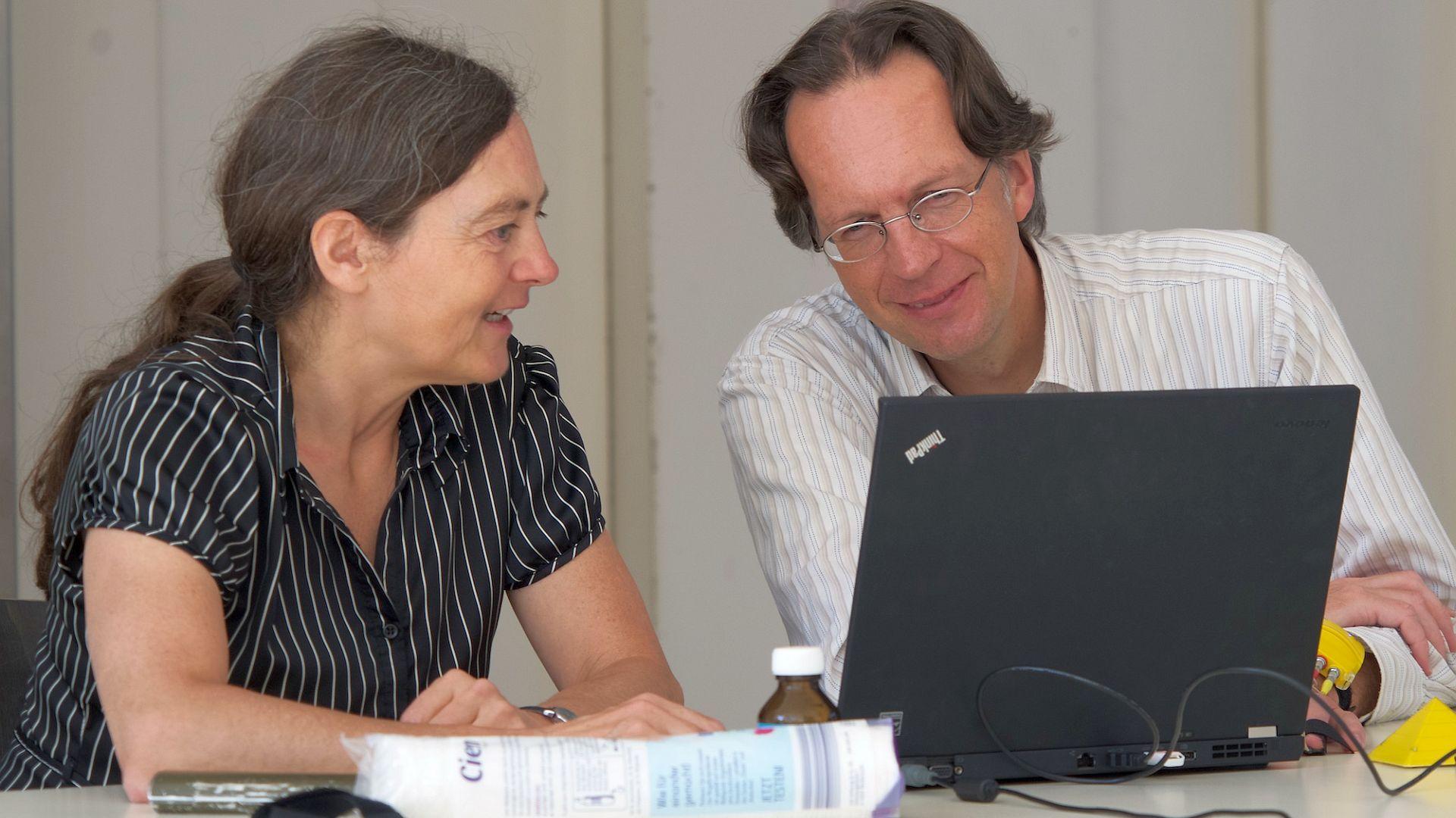 'Richt gemeenschappelijke spoed- en intakeprocedures in.' Dit is een van de tien tips die ik gaf tijdens een lezing in Roosendaal over samenwerking tussen eerstelijn en wijk- en jeugdteams.