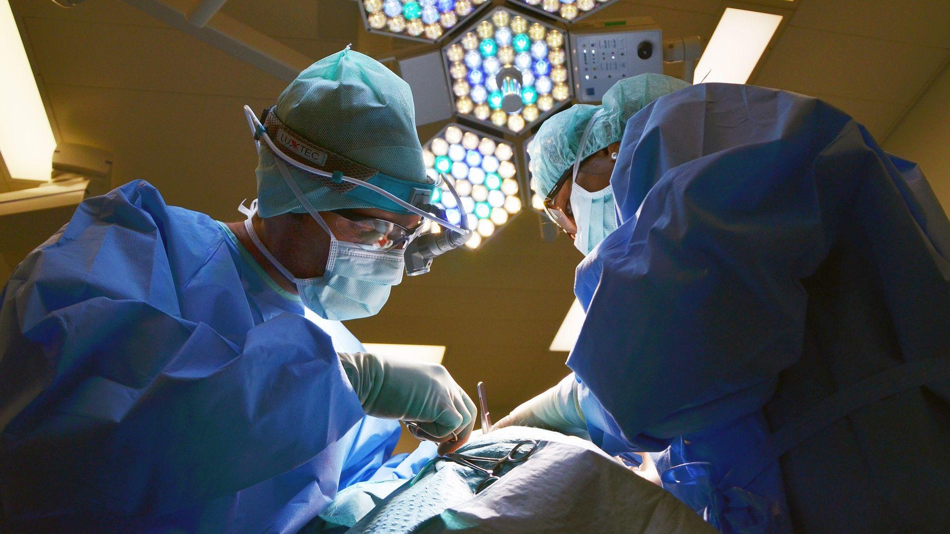 De zorg via medisch specialisten is in 2017 aanzienlijk verschoven. Dat heeft Dutch Hospital Data in kaart gebracht. Hieronder de belangrijkste wijzigingen.